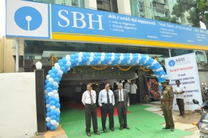 state bank of hyderabad new zonal office  at  santhome high rd mylapore, on 26-8-13