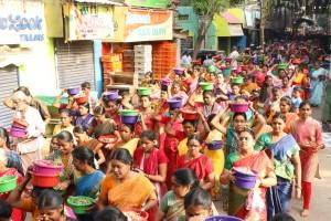Mundagakanni amman temple, 1008 flower baskets