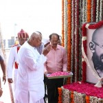 Governor pays homage to Gandhi
