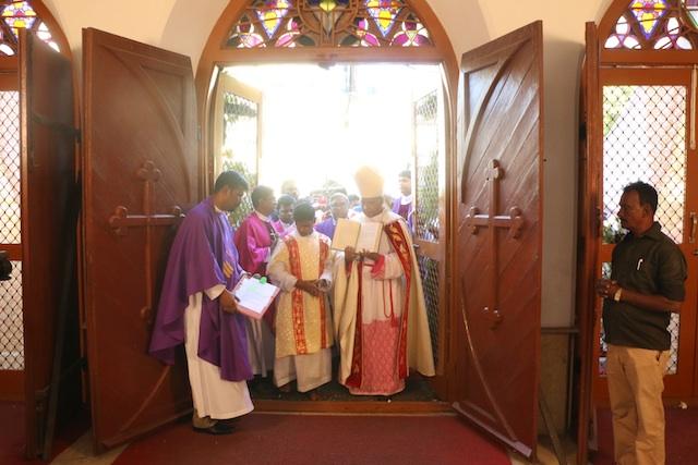 MT CATHRAL DOOR
