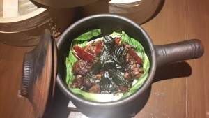 MT CHINESE FOOD Chicken clay pot with sweet basil 1