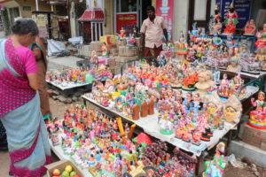 kolu-dolls-on-north-mada-street