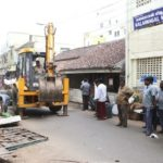 Chennai Corporation undertakes yet another drive to clear hawkers on South Mada St.