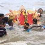 Marwadi community immerses image of Durga in sea