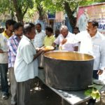 To celebrate the birthday of former CM Kamaraj, R. A. Puram based group distributes food to the public