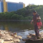 Residents of Srinivasapuram use unique transport to reach workplace
