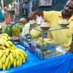 This hawker serves fruits in donnais