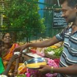 Ravindran sells tea to hawkers and street dwellers at rates they can afford!