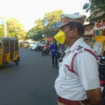 Corona virus : Traffic police start wearing masks