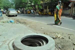 Drainage Not closed  at venkatesha agragaram ,sri kapaleeswarar kalyana mandapam opp- pic on 21-6-13