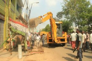 Hawkers removed Mada streets